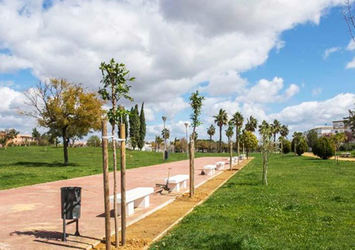Adosados cerca del Parque Antonio Machado - Huelva