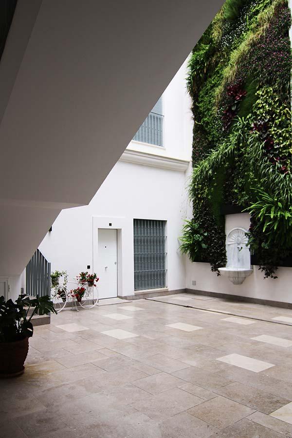 Foto patio interior Residencial Goyeneta 17 junto al Salvador - Sevilla Centro