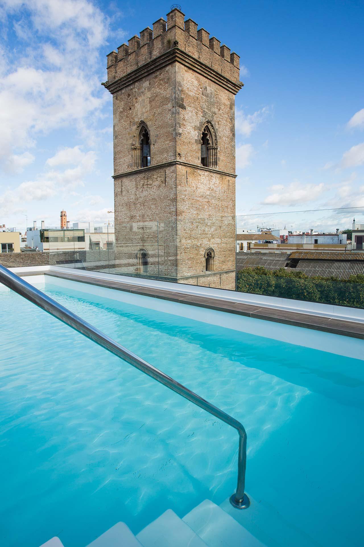 Terraza con piscina de la promoción de obra nueva en Santa Clara - Sevilla Centro